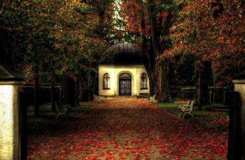 Cemetery_by_HeroinForMyHeroine